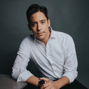 Michael Knowles photo